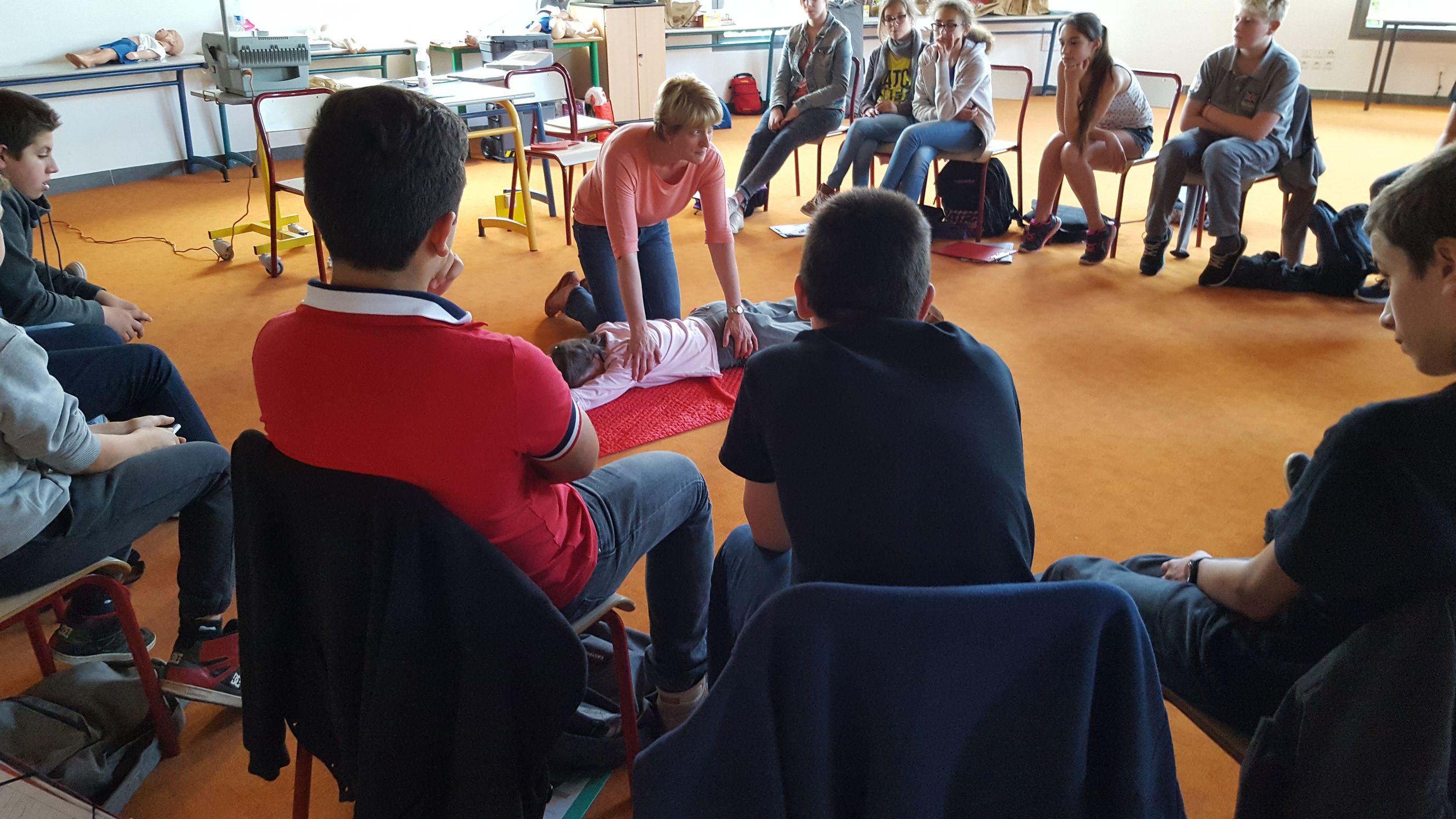 formation aux premiers secours au coll u00e8ge